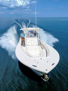 Mean searching Regulator 28 center console Fly Fishing Boats, Bass Fishing, Fishing Reels, Fishing Yachts, Speed Boats, Power Boats, Mako Boats, Center Console Fishing Boats, Offshore Boats