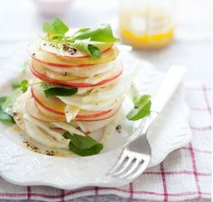 Pear, Apple and Fennel Salad. I love finding recipes with fennel. Raw Food Recipes, Cooking Recipes, Cooking Tips, Drink Recipes, Apple Recipes, Vegetable Recipes, Holiday Recipes, Fennel Salad, Pear Salad