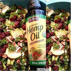 Morning Salad! Organic Produce from @goodwinsorganics ➡ Cucumber ➡ Kale ➡ Chard ➡ Lettuce ➡ Pecans ➡ cranberries ➡ With @nutiva ➡ Organic Hemp Oil Cold Press #hispanicvegansofig #vegan #veganfoodshare #veganvida #creestaaal #nutiva #hempoil #organic...