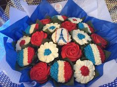 Cupcake bouquet for Bastille Day www.bakedblooms.com