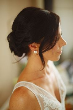 Updo for bride - loose, low bun for Veri Photography Prom Hairstyles For Short Hair, Simple Wedding Hairstyles, Braided Hairstyles Tutorials, Trending Hairstyles, Bride Hairstyles, Updo Hairstyle, Hairstyle Ideas, Beautiful Hairstyles, Hair Ideas