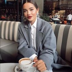 Awesome Incredibly 20 Outfit of the Day Ideas for 2019 - Street Style Inspiratio. Awesome Incredibly 20 Outfit of the Day Ideas for 2019 - Street Style Inspiration, Black Women Fashion, Look Fashion, Autumn Fashion, Womens Fashion, Dress Fashion, Fashion 2017, Feminine Fashion, Fashion Styles, High Fashion