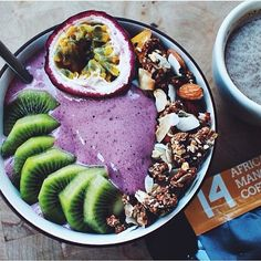 How do you #COFFEENOTCOFFEE?  @isabelmattssoncoll has her AFRICAN MANGO COFFEE with this incredible smoothie bowl!  Our AFRICAN MANGO COFFEE is made from organic coffee combined with superfood African mango seed and other herbal ingredients that can: ☕️ increase thermogenic fat burning ☕️ suppress your appetite ☕️ boost energy levels ☕️ fight fatigue ☕️ and more!  Shop now at www.coffeenotcoffee.com.au