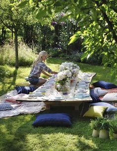Garden-Party chez Sarah Lavoine - Elle jardin pique-nique coussin cushion