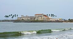Elmina Castle on the west coast of Ghana built in 1482 by the Portuguese. It was later occupied by the Danish and then the British used it for the slave trade in the 1800's. Ghana has preserved her castles as memorials for those lost in the slave trade. 20000000 lives were ultimately effected. Let's never forget. http://ift.tt/23kVNaE (link in bio) #accessories #womensfashion #waxprint #highfashionmen #highfashionblackmen #dtla #ankarastyles #checkoutafrica #monday #baby #babyboy #babygirl…