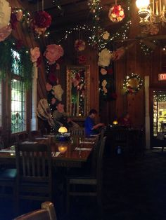Photo of Patti's Settlement - Grand Rivers, KY, United States Patti's 1880's Settlement, Beautiful Dining Rooms, Rivers, Places To Visit, United States, Christmas Tree, Holiday Decor, Painting, Home Decor