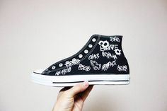 RAKUGAKI 銃弾二三発撃っときました #converse #allstar #chucktaylor #cons #sneaker #sneakers #sneakerhead#custom #custompaint #custompainted #customshoes #paint #chaos #psycho #anarchy #prayhands #graffiti #iwakuni #iwakunicity