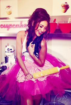 Shay Mitchell i want her hair!