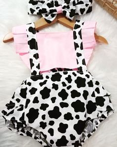 Baby 1st Birthday, Farm Birthday, Toddler Outfits, Kids Outfits, Cowboy Party, Baby Girl Fashion, Baby Dress, First Birthdays, Baby Kids