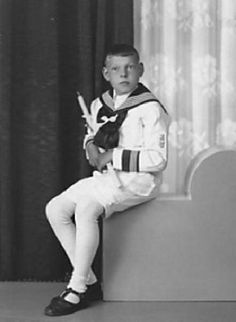 German boy, sailor suit, white stockings (1930)