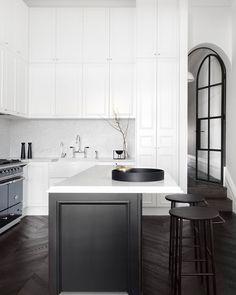 51 The Best Asian Kitchen Design Ideas For Your Home - Phillipp Sommer Interior Design Magazine, Interior Design Kitchen, Home Decor Kitchen, New Kitchen, Asian Kitchen, Kitchen Ideas, Kitchen Island, Black Kitchens, Home Kitchens