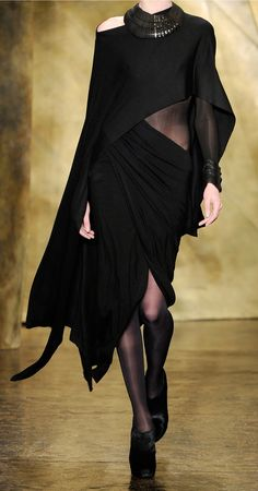 DONNA KARAN Runway Fall 2013 Collection Draped Jersey Dress Love the dramatic draping but would obviously never wear this...
