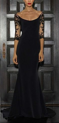 Amazing neckline on this Lorena Sarbu Fall 2015 black gown. Beautiful Gowns, Beautiful Outfits, Gorgeous Gorgeous, Absolutely Gorgeous, Elegant Dresses, Pretty Dresses, Fabulous Dresses, Evening Dresses, Prom Dresses