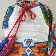 551 Likes, 25 Comments - Tapestry Bag, Tapestry Crochet, Crochet Crafts, Crochet Projects, Wiggly Crochet, Mochila Crochet, Hippie Bags, Crochet Purses, Knitting Accessories