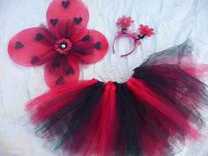 Ribbonblossoms on Etsy's adorable Halloween costumes! Wish I had a little girl!!
