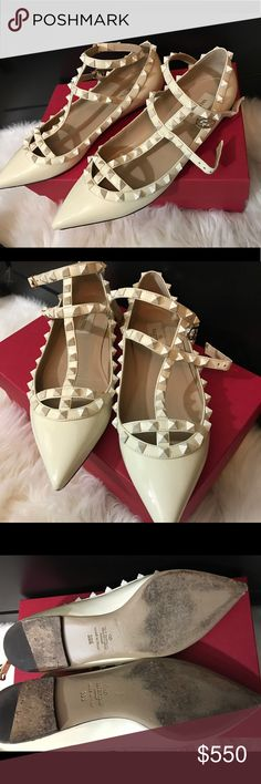 Valentino rockstud flats Ivory Valentino rockstud flats, got these on posh but they're too big for me :(  gorgeous shoes, minor wear on tips and bottom, comes with box. They're a size 9.5, wanting to trade for another pair size 8-8.5. Or make an offer! Valentino Garavani Shoes Flats & Loafers