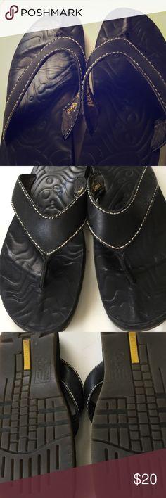 Dr martens men's leather flip flops Dr Martens men's black leather flip flops. In excellent condition with air wair bouncing insoles. Dr Martens Shoes Sandals & Flip-Flops