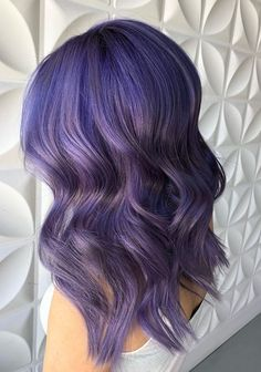 53 absolutely amazing purple hair color trends for 2018 cabello / color и. Lavender Hair Colors, Lilac Hair, Hair Color Purple, Cool Hair Color, Green Hair, Pastel Purple, Hair Colours, Messy Bob Hairstyles, Summer Hairstyles