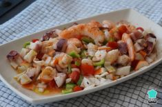 Seafood Salpicón Recipe , The seafood salpicón It is a simple and fresh recipe, ideal as a starter or as a cover. The salpicón is like a salad but with pieces of seafood and ch. Quick Recipes, Popular Recipes, Healthy Recipes, Salpicon Recipe, Lobster Bisque, How To Cook Shrimp, Spanish Food, Seafood Recipes, Pasta Salad