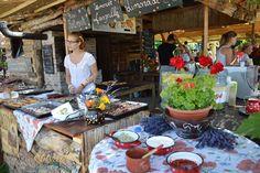 A Balaton-felvidék legnépszerűbb termelői piaca   A káptalantóti Liliomkertben jártunk   Életszépítők Beautiful Landscapes, Hungary, Good To Know