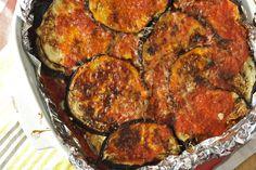 Healthy Eggplant Parm- 86 calories of bliss *omit cheese for paleo version* Healthy Eggplant, Eggplant Parmesan, Eggplant Recipes, Eggplant Lasagna, Baked Eggplant, Seitan, Vegetarian Recipes, Cooking Recipes, Healthy Recipes