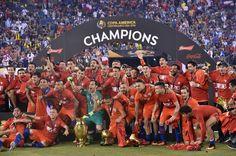 O EMPENHO: Após títulos, jogadores celebram geração histórica...