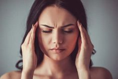 """Types of Migraines The term """"migraine"""" is thrown around a lot. Some people use the term when they've just got a bad headache. Causes Of Diabetes, Cure Diabetes, Vicks Vaporub, Papillomavirus, Types Of Migraines, Sante Plus, La Constipation, How To Relieve Headaches, Sleep Apnea"""