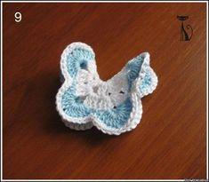 Такой бабочкой можно украсить любую вещь, или декорировать интерьер