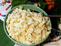 Galuste-de-faina (0) Romanian Food, Romanian Recipes, Dips, English Food, Dumplings, Pasta Salad, Potato Salad, Cookie Recipes, Macaroni And Cheese