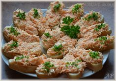 Pomazánka z kořenové zeleniny Low Carb Recipes, Cooking Recipes, Junk Food, Chicken Wings, Green Beans, Food Porn, Food And Drink, Appetizers, Healthy Eating