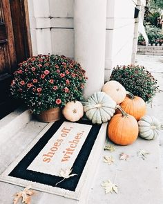 39 Easy But Creative Fall Porch Decorating Ideas. 39 Easy But Creative Fall Porch Decorating Ideas. Fall is one of the great times during the year. There are a lot of things you can do to […] Fall Home Decor, Autumn Home, Modern Fall Decor, Fall Apartment Decor, Porch Decorating, Decorating Ideas, Decor Ideas, Holiday Decorating, Interior Decorating