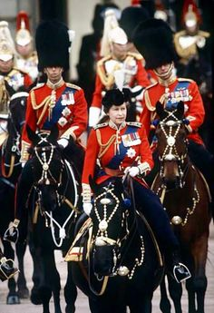 HM Queen Elizabeth II on her horse Burmese, Trooping the Colour, 1980 Royal Queen, King Queen, British Royal Families, Isabel Ii, Casa Real, Her Majesty The Queen, Prince Phillip, English Royalty, Queen Of England