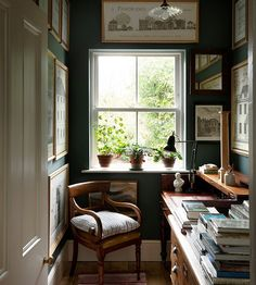 The study in the house of architect George Saumarez Smith, in Winchester. 'It has become a kind of halfway house for books intended for… Country Life Magazine, Interior Exterior, My New Room, Traditional House, Cozy House, Home Decor Inspiration, Beautiful Homes, Living Spaces, Living Room