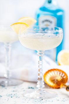 French 75 Cocktail (My New Years Eve Favorite!) - Just 4 simple, refreshing ingredients for the perfect toast: champagne, your favorite gin, lemon juice, and a little sugar. Cheers! From aberdeenskitchen.com #french75 #newyearseve #cocktail #beverage #happyhour #drink #gin #champagne #lemon #simplesyrup