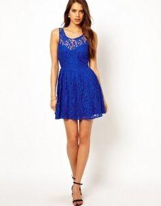 vestido curto com renda azul