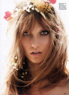 karlie kloss / sultry hair and makeup