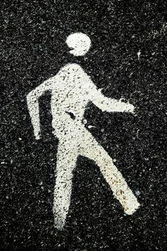 Dario Piacentini Photographer - Sign on asphalt
