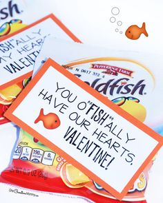 Love free printable valentine cards as much as I do? You're going to love these Goldfish Cracker printables: You O-fish-ally have my heart, Valentine!