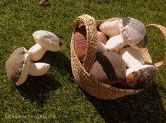 Come fare funghi in stoffa imbottiti da riciclo pantaloni - Istruzioni in Italiano
