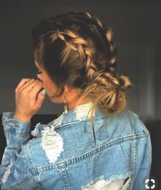 pig tail braids into messy bun. Nice Women's Hair Styles pig tail braids into … Hair Day, New Hair, Braids For Long Hair, Hair Styles For Long Hair For School, Braid Hairstyles For Long Hair, Pretty Hairstyles, Braided Hairstyles For School, Hair Ideas For School, Easy Hair Braids