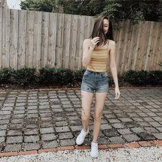White Shorts, Denim Shorts, Uzzlang Girl, Wattpad, Ootd, Photo And Video, Princesses, Outfits, Snapchat