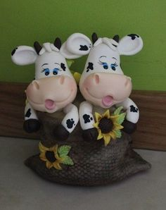 Pasta Art, Cow Decor, Baby Cows, Clay Baby, Fondant Figures, Clay Animals, Pasta Flexible, Clay Flowers, Clay Projects