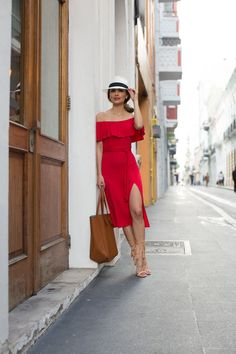 Lady In Red In Puerto Rico. Revolve Red Dress // White Fedora (similar here) // Forever 21 Brown Bag (similar here) // Schutz 'Kija' Fringe Heels Havana Nights Dress, Havana Nights Party, Cuba Fashion, Fashion Outfits, Vacation Outfits, Summer Outfits, Vacation Wear, Havanna Party, Cuba Outfit