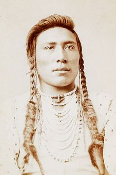 source : amertribes.proboards.com (native american indian medicine man) _    collection image photo portrait ethnique d´indien d´amérique