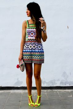 Opt for a multi colored geometric playsuit to put together an interesting and modern-looking casual outfit. And if you need to immediately step up your outfit with footwear, add a pair of yellow leather heeled sandals to the mix. Look Fashion, Womens Fashion, Fashion Trends, Street Fashion, Fashion Shoes, Girl Fashion, Asos, Mode Inspiration, Fashion Inspiration