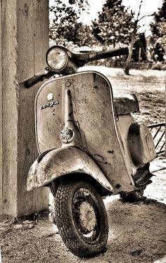 old #Vespa