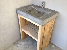 Pretty Bathrooms, New Toilet, Wooden Cabins, Wc Ideas, House Styles, Concrete Furniture, Concrete Bathroom, Bathroom, Home Diy