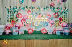Kayla's Pink Flamingo Themed Party – Birthday Pink Flamingo Party, Flamingo Birthday, Luau Birthday, Pink Flamingos, 1st Birthday Parties, Girl Parties, Girl Birthday Decorations, Birthday Backdrop, Stage Decorations