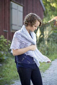 Succulent is a top-down triangular shawl that alternates between stockinette and lace panels throughout the body that transition into a wider lace panel and then to a lace edge that finishes with a sweet picot bind off. The succulent stitch pattern can be worked from either the charts or written instructions.