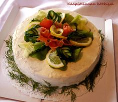 Kääpiölinnan köökissä: The salmon circle - pyöreä savulohivoileipäkakku